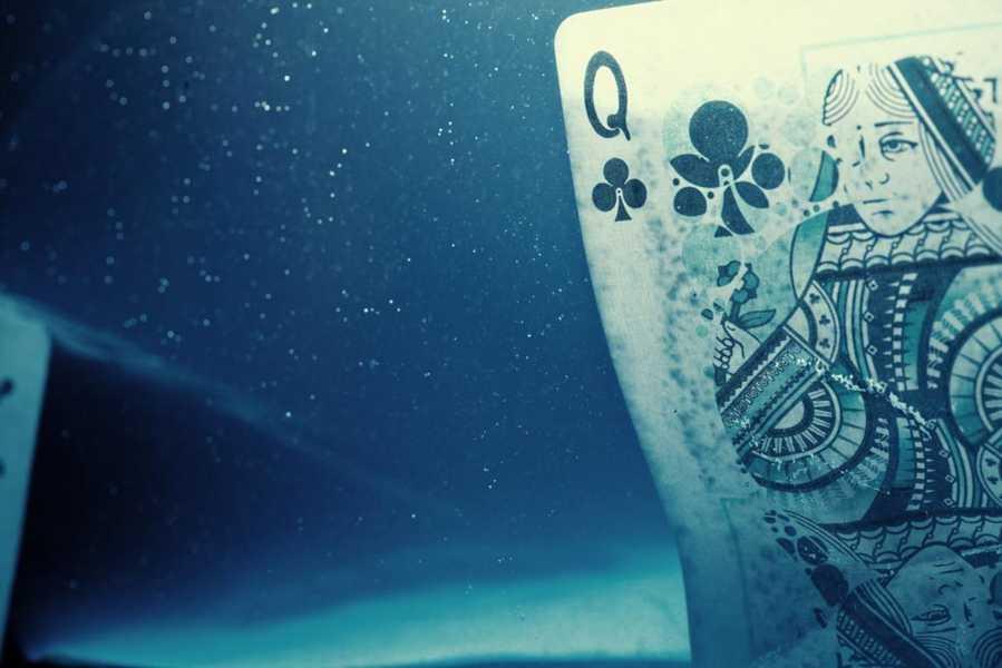 FATHOM-PLAYING-CARDS-8