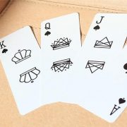 Air-Deck-The-Ultimate-Travel-Playing-Cards-White (5)