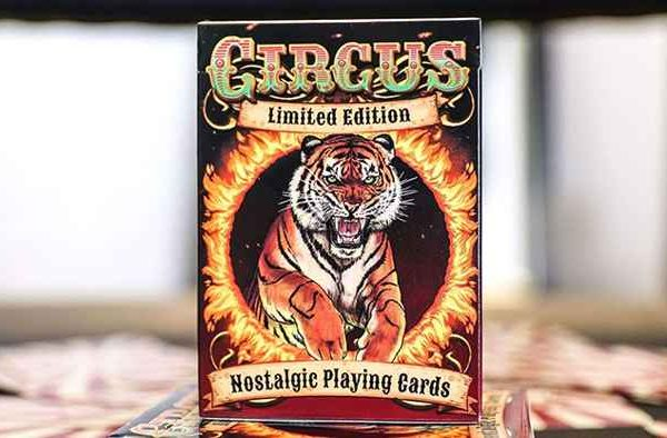 Limited-Edition-Circus-Nostalgic-Red-Gilded-Playing0Cards (2)