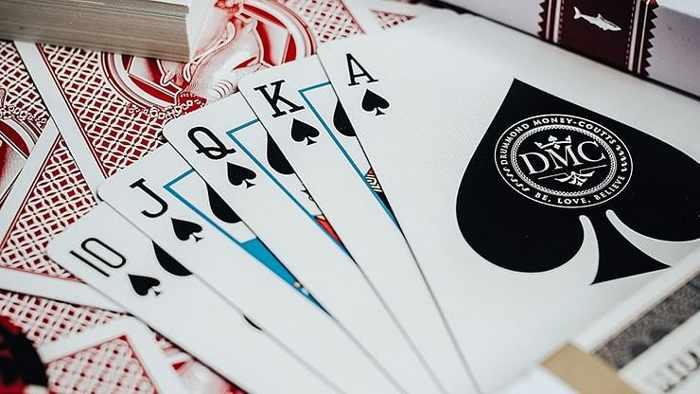 DMC Shark V2 Playing Cards - 7aothuat