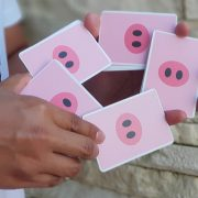 Oink-Oink-Playing-Cards (3)