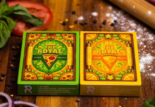 The-Royal-Pizza-Palace-Playing-Cards-Set-by-Riffle-Shuffle (2)